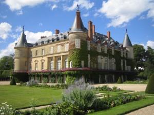 Chateau-de-Rambouillet-facade-vue-de-droite