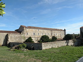 Abbaye_de_Lieu-Dieu_à_Jard-sur-Mer_03