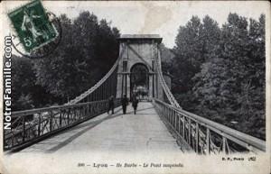 cartes-postales-photos-Ile-Barbe--le-Pont-suspendu-LYON-69003-11911-20080427-1f0d2d7n4f8m7j8x2p7k.jpg-1-maxi