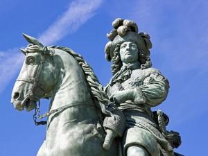 Louis XIV statue équestre chateau de Versailles (France)